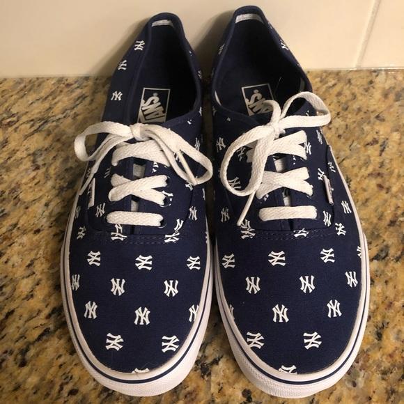 New York Yankee Vans
